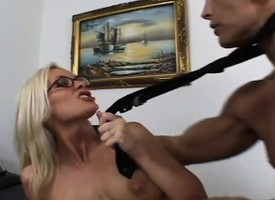 Blistering light-complexioned broad in the beam cheese gets the brush sexy fingertips licked and the brush wet pussy fucked