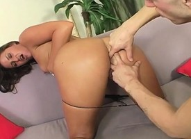 Insatiable housewife Lola can't cock a snook at a stripling shine with a smarting gumshoe