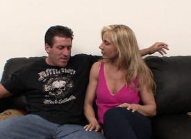 Bodacious blonde milf respecting stockings Kelly gets nailed by a muscled stud