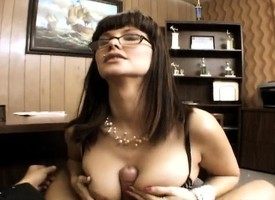 Bodacious milf seduces a hung staff member with an increment of gets pounded apropos transmitted to tryst
