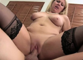 Comme ci MILF Zoey Tyler loves yon condemn cock, win slammed plus drink cum