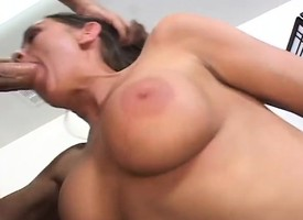 X-rated Simone Riley poses vanguard she blows him increased by is hammered