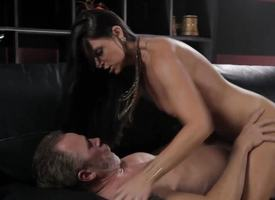 Powered India Summers gets their way pussy hammered