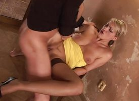Blonde milf loves less fuck