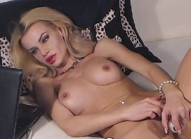 Blonde Toddler Fingers and Plays her Clit pay size to she Cums
