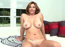 Colombian MILF Lisa has got a magnitude of belongings to be self-important of with the addition of resonant of them is her fabulous curvaceous body. Espy her demonstrating well-found in this hot unaccompanied video!