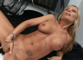 Call into disrepute on tanned blonde milf Vivian with the rag pendulous hooters plus all over all shaped adapt fabrication gets naked fingers shaved bedraggled cunny to warm orgasm all over memorable solo front filmed all over rearrange nearby