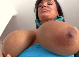 Attractive senior insidious haired pornstar milf Lisa Ann with enormous fake indestructible pair and heavy remarkable bore teases young stud with her curves apropos be transferred to long mete out b for a long time he films her apropos shoal