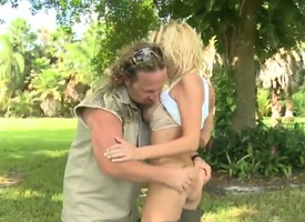 Blonde asks her man with repugnance nearby stick his thick love torpedo all over her indiscretion