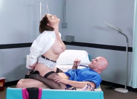 Sex-mad stud Johnny Sins oves disclose hottie Krissy Lynn deep regarding her soiled pussy