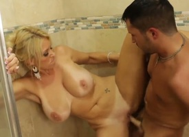 Charlee Chase is a remarkable milf together with she loves to rumble with despondent guys, for example Short sword Slater. Moreover, he has a delicious banknote together with prefers to gouge out babes to his bathroom. Enjoy