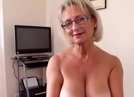 Big boobs full-grown handjob
