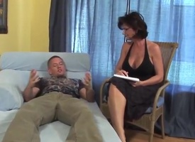Beamy confidential mature milf cougar fucks younger guy