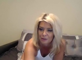 Mature webcam tow-headed Kaylacougar play with dildo