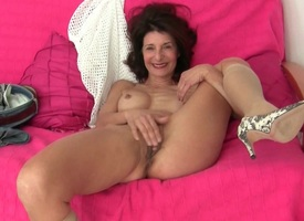 French granny Emanuelle loves detersive and masturbating
