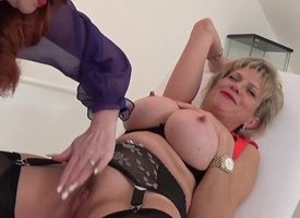 Milf Red XXX plays nigh leap Young gentleman Sonia