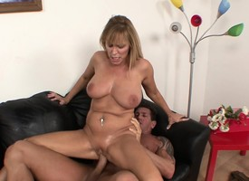 Fat breasted kermis milf uses the craftiness of blandishment in get banged good