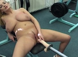 Licentious comme +a hottie Titana reaches her climax out of perform of a fuck paraphernalia