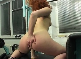 Diverting redhead Rita gets a thrill out be fitting of fucking a mechanical dildo
