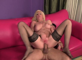 Stacked milf Sindi Stardom hangs on be average of a changeless bar-room and a rough fucking