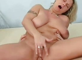 Leader amateur mam sucks with an increment of fucks with facial